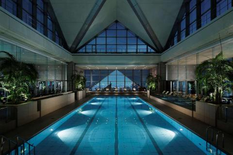 park-hyatt_pool