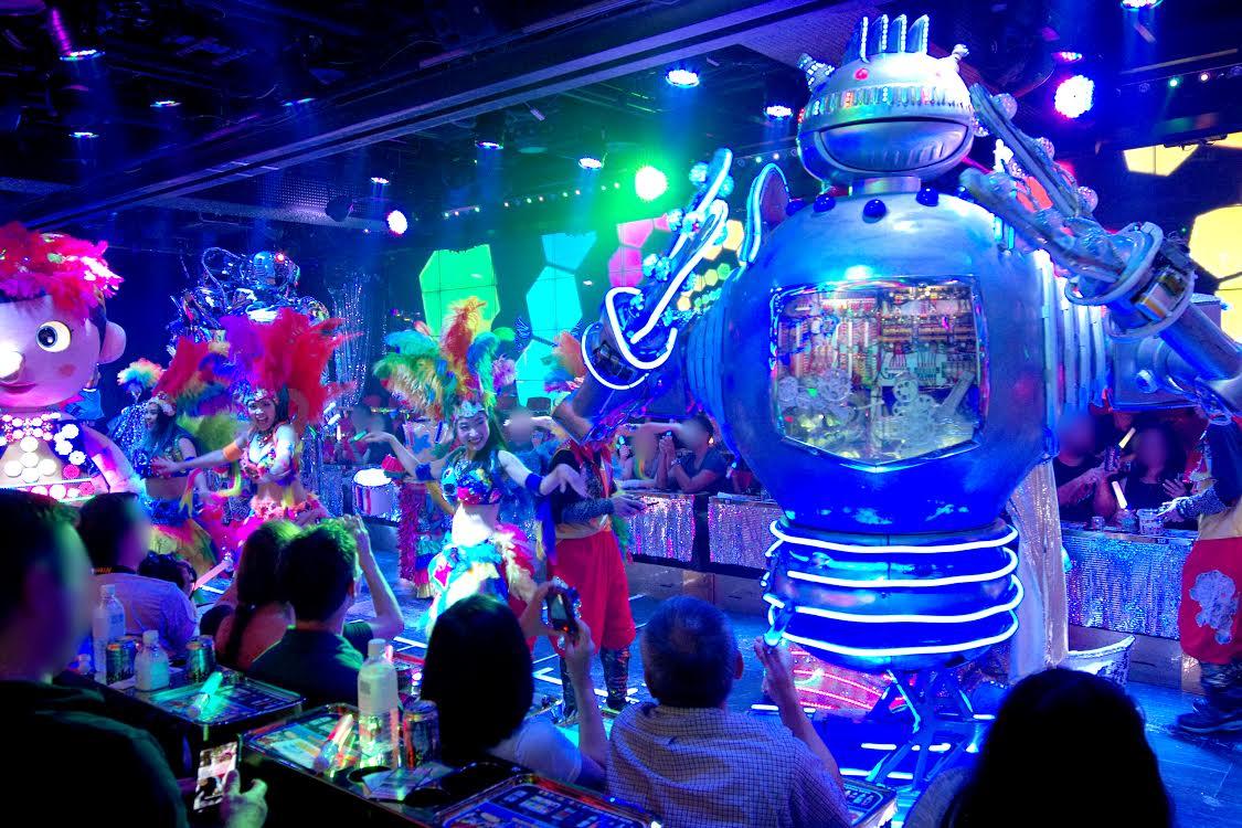 新宿ロボットレストラン