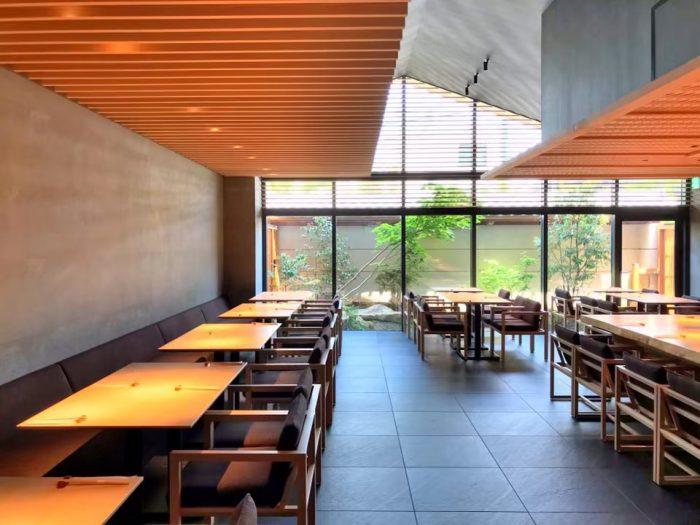 ONSEN RYOKAN 由縁 新宿 レストラン内部